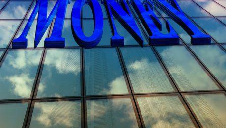 "Napis ""Money"" na biurowcu"