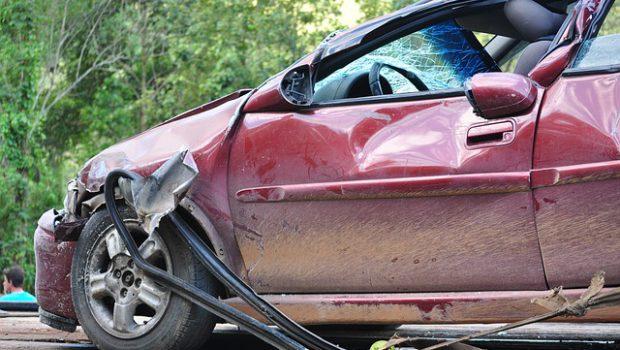 samochód po stłuczce
