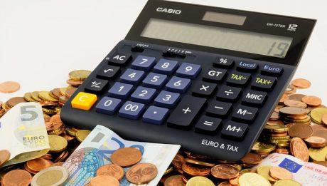 kalkulator i środki płatnicze