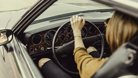 Kredyt samochodowy czy warto?