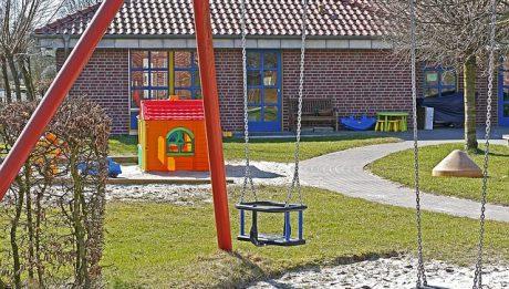 Ile kosztuje prywatne przedszkole, a ile publiczne? Za co dodatkowo płaci się w przedszkolu?