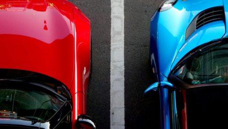 Kredyt gotówkowy czy samochodowy? Porównanie wad i zalet kredytu na auto