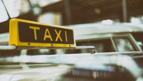 Protest  taksówkarzy, Zawieszenie strajku nauczycieli… – przegląd 25 kwiecień