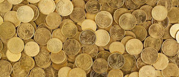 dużo monet