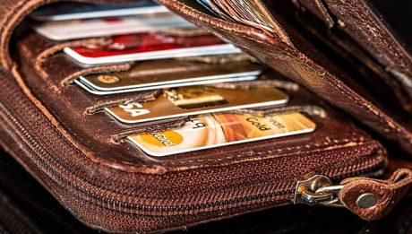 Ile zapłacisz za płatności kartą za granicą?