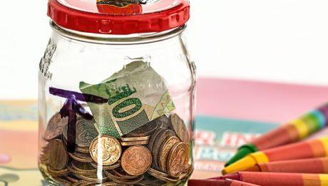 Proste sposoby na oszczędności w domowym budżecie