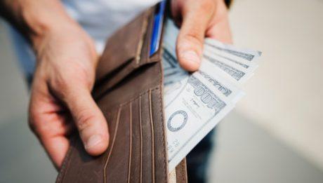 Kto może pomoc w spłacie chwilówki? Sposoby na wyjście z długów