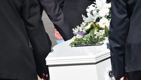 Koszty związane z pogrzebem – lista i ceny