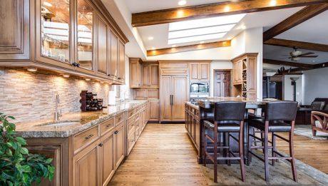 Kuchnia na wymiar czy gotowa – jakie meble do kuchni?
