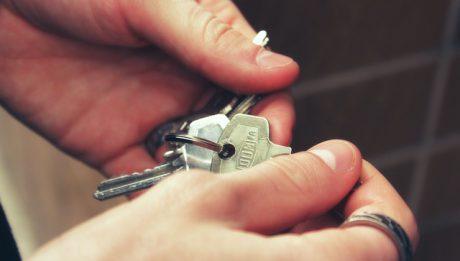 Ile kosztuje dorobienie klucza? Od czego zależy cena?