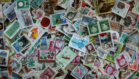 Ceny znaczków na listy. Sprawdzamy, ile kosztują znaczki poczty polskiej