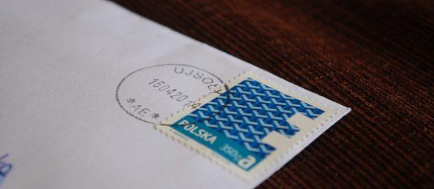 List ze znaczkiem pocztowym