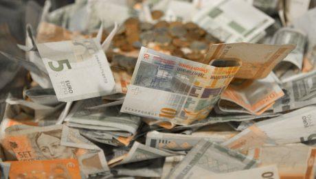 Kto udzieli pożyczki zadłużonym? Oferta pożyczek pozabankowych bez BIK i KRD