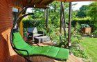 Ile kosztuje zadaszenie tarasu? Dach tarasu z drewna, poliwęglanu czy aluminium?