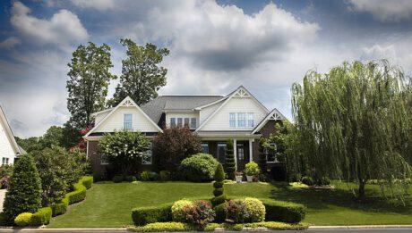 Ile kosztuje oczyszczalnia przy domu? Typy i ceny przydomowych oczyszczalni ścieków