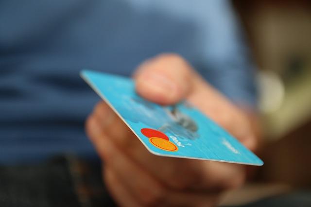karta-debetowa-bankomat