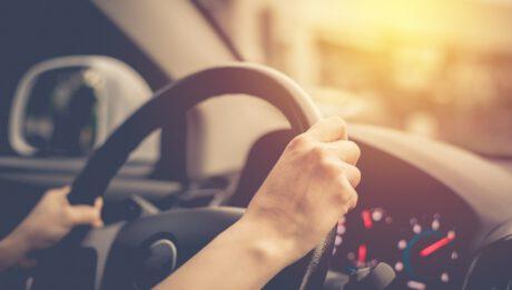 Znalazłeś tańsze ubezpieczenie samochodu? Kiedy i jak wypowiedzieć umowę OC?