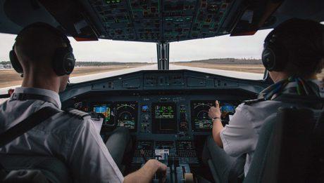 Licencja pilota: kto może zrobić i ile kosztuje?