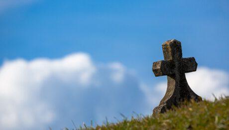 Śmierć kredytobiorcy – czy kredyt przepada? Kto dziedziczy kredyt?