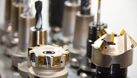 Ile kosztuje frezowanie CNC? Rodzaje frezowania CNC a cena