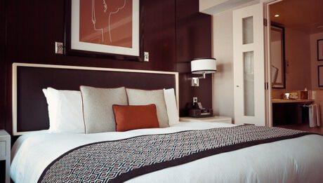 Ceny noclegów na Śląsku — ile kosztuje nocleg w hotelu, hostelu, apartamencie?
