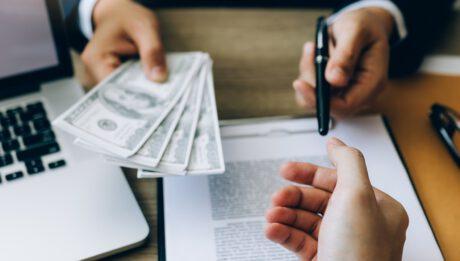 Trudne kredyty firmowe. Co zrobić, gdy bank odmawia?