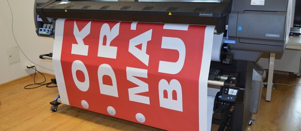 Maszyna drukująca w drukarni
