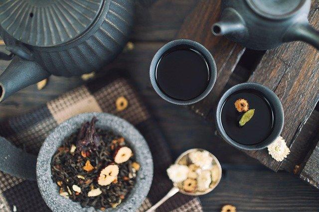 Wysuszone ziarna herbaty