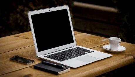 Ile wydać na laptop do codziennego użytku?