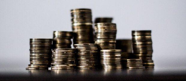 Monety w słupkach