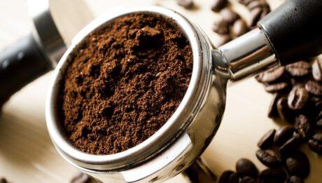 Ile kosztuje dobra kawa? Ile kosztuje świeża kawa prosto z palarni kawy?