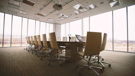 Holding, korporacja, koncern, monopol… rodzaje dużych grup biznesowo-kapitałowych