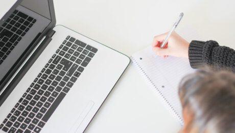 Ile kosztują porady online w poszczególnych branżach, zawodach, tematykach?