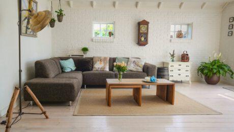Jak oszacować wartość mieszkania przed zakupem polisy?