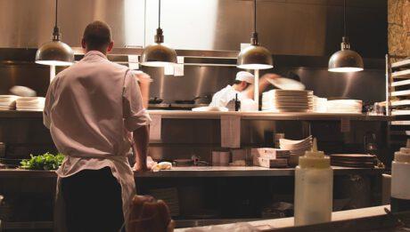 Ile kosztuje utrzymanie restauracji? Koszty wynajmu, pracowników, koncesji, utrzymania czystości…